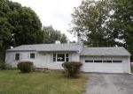 Foreclosed Home en GREENBRIER LN, Rochester, NY - 14623