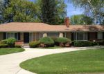Foreclosed Home in SUNNYBROOK AVE, Lathrup Village, MI - 48076