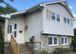 Foreclosed Home en ROUMFORT AVE, Cherry Hill, NJ - 08034