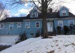 Foreclosed Home en TANGLEWOOD RD, Waterbury, CT - 06706