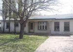 Foreclosed Home en GLYNN CIR, Grand Prairie, TX - 75051