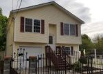 Foreclosed Home en GREELEY ST, Providence, RI - 02904