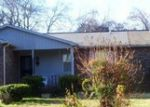 Foreclosed Home en E CEDAR LN, Madison, TN - 37115