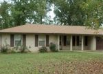 Foreclosed Home en WHIPPOORWILL DR, Lawrenceburg, TN - 38464