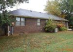 Foreclosed Home en GREENBRIER DR, Mount Vernon, IN - 47620