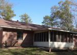 Foreclosed Home en SAINT LO ST, Lufkin, TX - 75901