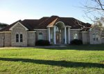 Foreclosed Home en MILL RD, Angleton, TX - 77515