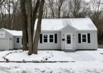 Foreclosed Home en HOWARD AVE, Pascoag, RI - 02859