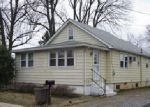 Foreclosed Home en PEACH ST, Upper Chichester, PA - 19061