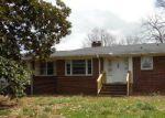 Foreclosed Home en FIVE FORKS RD, Simpsonville, SC - 29681