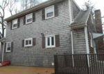 Foreclosed Home en RIDGEWAY DR, Warren, RI - 02885