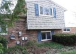 Foreclosed Home en CREEKVIEW DR, Canton, MI - 48187