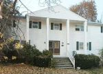 Foreclosed Home en LINWOOD AVE, North Providence, RI - 02911