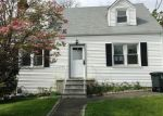 Foreclosed Home en ROBIN ST, Stamford, CT - 06902