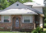 Foreclosed Home en CREST AVE, Millville, NJ - 08332