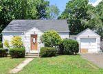 Foreclosed Home en RALEIGH RD, Bridgeport, CT - 06606
