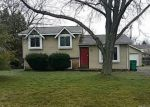 Foreclosed Home en MEDINA AVE, Waterford, MI - 48327