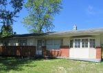 Foreclosed Home en E SIEVEKING DR NE, New Salisbury, IN - 47161