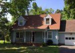 Foreclosed Home en VIRGINIA DR, Gloucester, VA - 23061