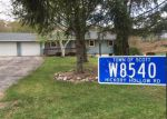 Foreclosed Home en HICKORY HOLLOW RD, Kewaskum, WI - 53040