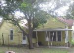 Foreclosed Home en S GRAND AVE, Gainesville, TX - 76240