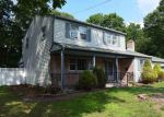Foreclosed Home en SEASIDE AVE, Absecon, NJ - 08201