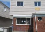 Foreclosed Home en EDGEMERE AVE, Far Rockaway, NY - 11691