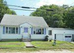 Foreclosed Home en PAWTUXET TER, West Warwick, RI - 02893