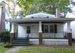 Foreclosed Home en W EDWARDS ST, Springfield, IL - 62704