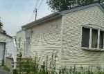 Foreclosed Home en HOLLAND AVE, Elmont, NY - 11003