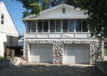 Foreclosed Home en E 10 MILE RD, Roseville, MI - 48066