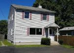 Foreclosed Home en CLIFTON ST, Wallingford, CT - 06492