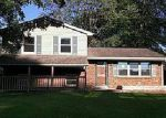 Foreclosed Home en W WALFORD DR, Jeffersonville, IN - 47130