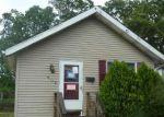 Foreclosed Home en VINE ST E, Millville, NJ - 08332