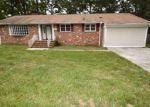 Foreclosed Home en ROBERT E LEE DR, Hopewell, VA - 23860