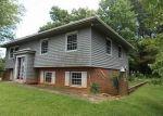 Foreclosed Home en GREENWOOD RD, Orange, VA - 22960