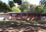 Foreclosed Home en RAMBLING RD, Morristown, TN - 37814