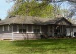 Foreclosed Home en S CLEVELAND ST, Lowry City, MO - 64763