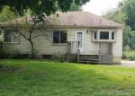 Foreclosed Home en ORANGELAWN ST, Livonia, MI - 48150