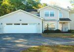 Foreclosed Home en AUTUMN DR, Poughkeepsie, NY - 12603