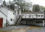 Foreclosed Home en OLD POUND HILL RD, North Smithfield, RI - 02896