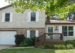 Foreclosed Home en W SHERMAN AVE, Pontiac, IL - 61764