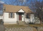 Foreclosed Home en MAYFLOWER PL, Milford, CT - 06460