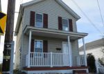 Foreclosed Home en W OAK ST, Old Forge, PA - 18518