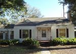 Foreclosed Home en HOSKINS AVE, Lufkin, TX - 75901