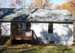 Foreclosed Home en MARDAY DR, Ruther Glen, VA - 22546