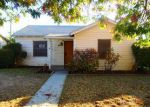 Foreclosed Home en E MCKENZIE AVE, Fresno, CA - 93727
