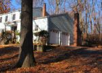 Foreclosed Home en BELLWOOD PARK RD, Asbury, NJ - 08802