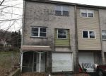 Foreclosed Home en CREST DR, Coatesville, PA - 19320