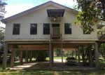 Foreclosed Home en SANDY LN, Highlands, TX - 77562